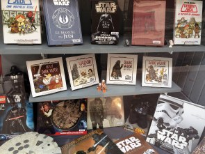 Wśród książek uwagę zwraca żartobliwa seria dziecięcych historii z Darthem Vaderem w roli taty.