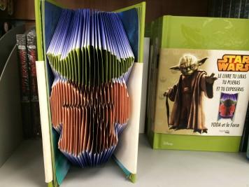 """Gorączki """"Gwiezdnych wojen"""" ciąg dalszy. W tej książce jak najbardziej wypada zaginać strony!"""