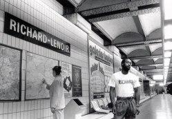 Richard-Lenoir był XVIII-wiecznym przedsiębiorcą włókienniczym. Tutaj mamy po prostu Ryszarda - murzyna (le noir).