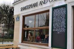 W 1941 roku w związku z wypowiedzeniem wojny przez Stany Zjednoczone, w okupowanym Paryżu księgarnia musiała zostać zamknięta. 10 lat później inny Amerykanin otworzył w obecnym miejscu księgarnię Le Mistral, która w 1962 roku, po śmierci Beach, przejęła jej nazwę.