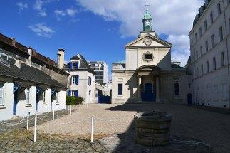 Dawny klasztor kanoniczek regularnych św. Augustyna przy rue de Picpus. W ich ogrodzie znajduje się wspomniany cmentarz Picpus, o którym nieco więcej przy innej okazji.