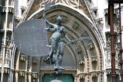 Wiara - symbol Sewilli (kopia iglicy z Giraldy).