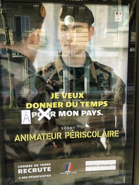 Jak powszechnie wiadomo głównym sposobem zniesienia nieznośnej pustki bytu przez Francuzów jest nieskończone poprawianie błędów językowych. Ewolucyjnie stali się na tyle samowystarczalni, że nie potrzebują już do tego cudzoziemców.