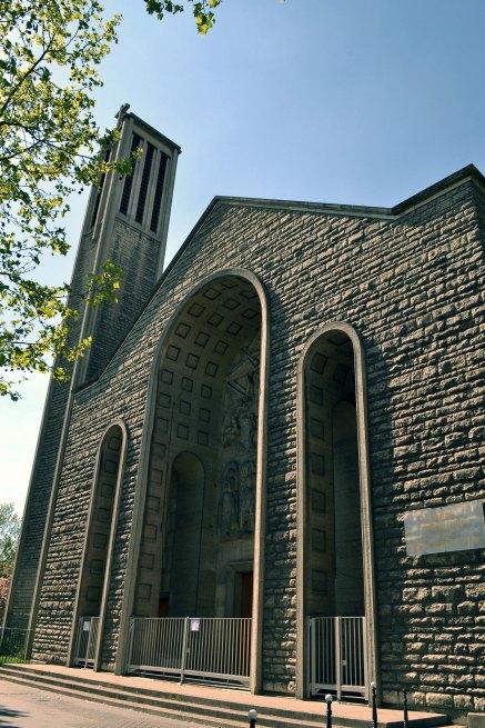 Modernistyczny kościół św. Joanny de Chantal
