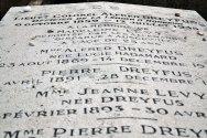 Kapitan Alfred Dreyfus, rehabilitowany bohater głośnej afery, która wstrząsnęła społeczeństwem francuskim w ostatnich latach XIX wieku. Pretekst i symbol sporu między Francją republikańską a narodową i niechlubna karta w historii konserwatywnych środowisk francuskiego Kościoła.