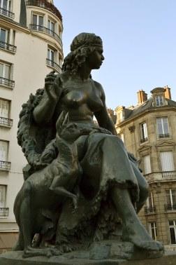 Oceania - jedyna rzeźba kangura w Paryżu.
