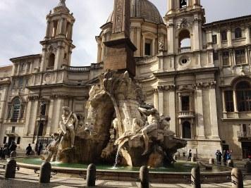 Sant'Agnese in Agone, bo że na pierwszym planie Piazza Navona z fontanną czterech rzek, to wiadomo.