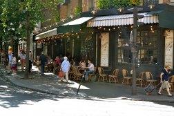 Rue Vaugirard - najdłuższa ulica Paryża.