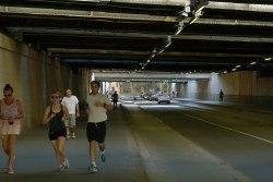 Tunel pod torami linii lyońskiej.