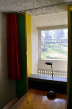 Typowa cela zakonnika (w głębi balkon)