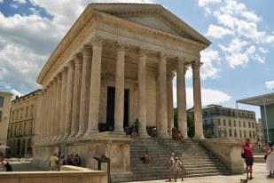 Nîmes - Maison carrée - świątynia dedykowana synom Marka Agrypy